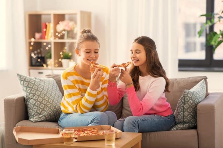 A qué edad pueden quedarse los niños solos en casa